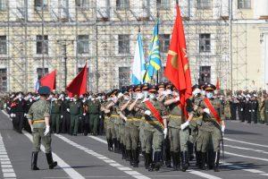 Маск-парад: как прошла первая репетиция шествия ко Дню Победы в эпоху коронавируса