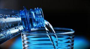 В двух продуктовых магазинах в Петербурге можно получить питьевую воду бесплатно