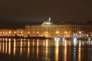 Подсветка улиц и мостов Петербурга вернётся в обычный режим работы в ночь на 1 июля