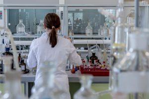 В Петербурге 42 лаборатории проводят диагностику на COVID-19 методом ПЦР
