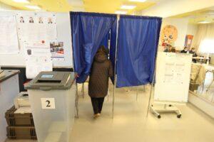 На выборах в Ленобласти протестировали новую технологию голосования для слабовидящих