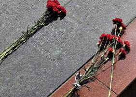 В Ленобласти открылся мемориал на месте захоронения 470 погибших красноармейцев