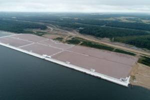 В Усть-Луге завершены работы по намыву новой территории для портового терминала