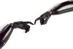 Учёные из СПбГУ разработали технологию печати на 3D-биопринтере персонализированных нейропротезов