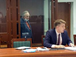 Олег Соколов подал иск о защите достоинства, а сам оставлен в СИЗО ещё на 3 месяца