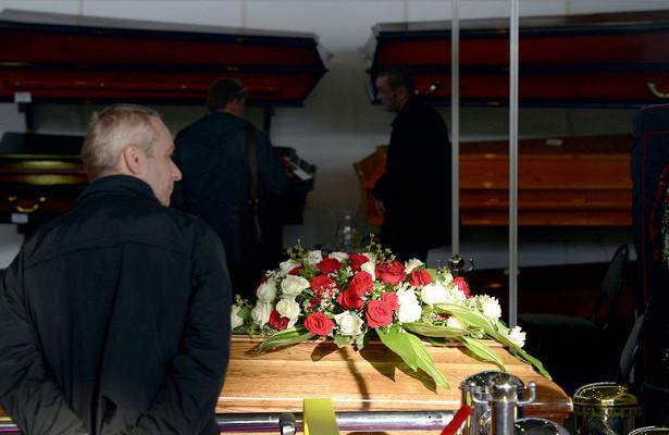Живого пенсионера сCOVID-19похоронили вроссийском городе