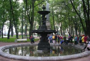 Смольный: Городские фонтаны закрывают сезон
