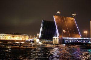 В год закрытых границ Петербургу присудили мировой туристический «Оскар»