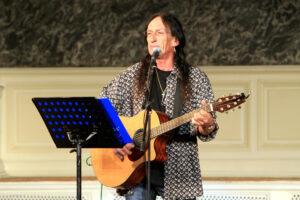Умер Кен Хенсли, бывший гитарист и клавишник Uriah Heep