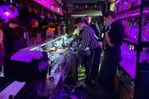 В Петербурге закрыли шесть баров, нарушивших «коронавирусные» ограничения
