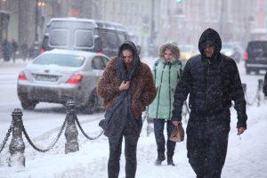 В воскресенье в Петербург придут морозы и снег