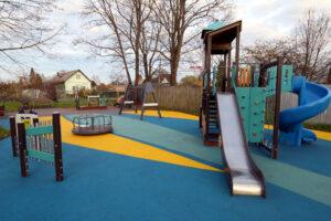 Шесть детских площадок благоустроят в Парголово в 2021 году