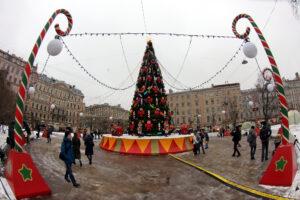 На Манежной площади заработала новогодняя ярмарка