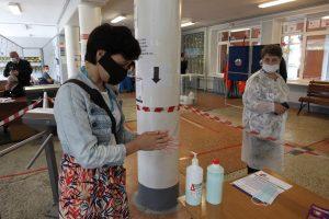 Роспотребнадзор может ослабить коронавирусные ограничения для школ с нового учебного года