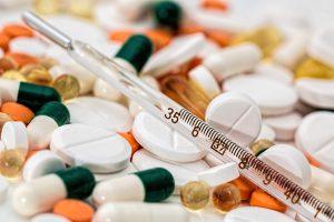 Смольный направил допсредства на закупку лекарств для больных COVID-19