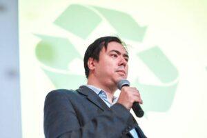 От коронавируса умер известный петербургский экоактивист Рашид Алимов