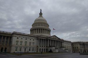 Митинг в Вашингтоне закончился штурмом Капитолия: есть погибшие