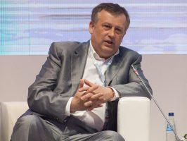 Александр Дрозденко поработал автоволонтёром
