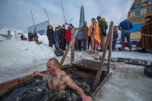 В Крещенских купаниях приняли участие 36 тысяч человек