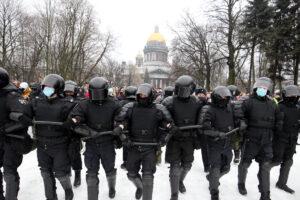 На акциях в поддержку Навального задержали более 3 тыс. россиян