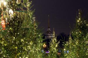 Беглов и Макаров поздравили петербуржцев с с Новым годом