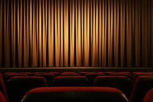 Смольный: С 16 января заполняемость театральных залов может составлять 50%