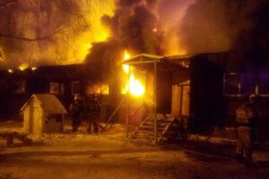 Семь человек погибли при пожаре в Тюменской области