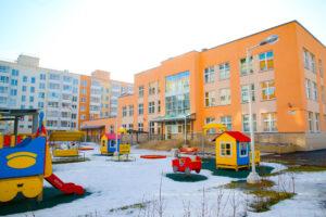 Смольный: в Приморском районе до конца года планируется открыть 5 школ и 7 детсадов