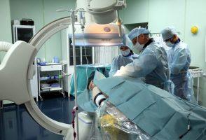 В Ленобласти провели уникальную операцию по установке периферического стент-графта