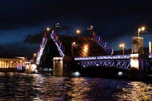 Стало известно расписание технологических разводок мостов Петербурга на текущую неделю
