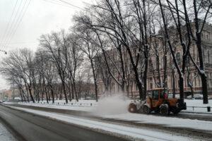 Снег да снег кругом: в Петербурге и области опять ждут метель