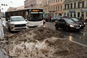 Синоптик: Петербург находится в зоне атмосферного фронта