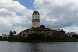 В Выборгском замке появилась пушка времён Российской империи