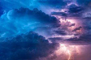 Синоптик: Петербург находится в холодном тылу циклона